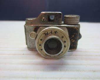 "VINTAGE c1940's 17.5 mm Miniature ""HIT"" Camera With Original Film Spool Holder"