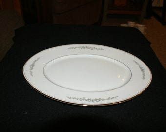 Hampton china, Ardmore, 14 inch oval serving platter
