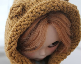 Availible Knit blythe hat bear