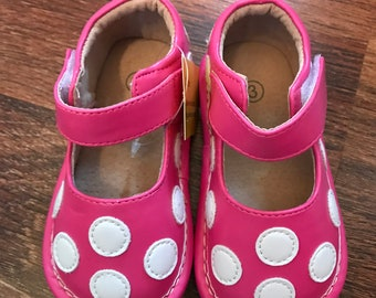 Toddler Girls Leather Hot Pink with White Polkadots Squeaky Shoes