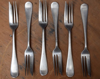 Set of 6 Silverplate Pastry Forks, Classic Simple Windsor Pattern, 1847 Rogers Bros A1, Dessert Forks, Wedding Tableware