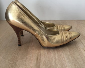 1960 Davito Originals, Gold Lame Shoes, Stiletto Heels, Bombshell shoes, Pointed Toe, Leather Stilettos, Pinup high heels, Women's shoes