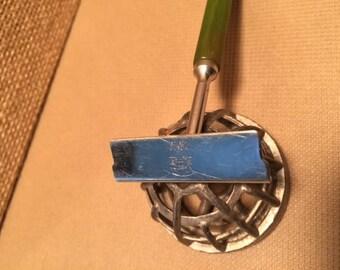Keen Kutter razor with Bakelite handle