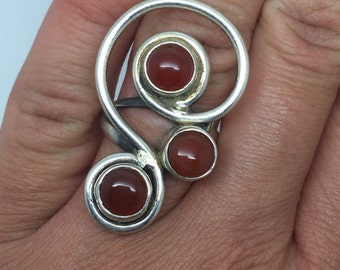 silver ring with three red onyx stone,red onyx ring,red onyx jewelry,silver jewelry,Musical note ring,stone ring,bohemian ring, statement