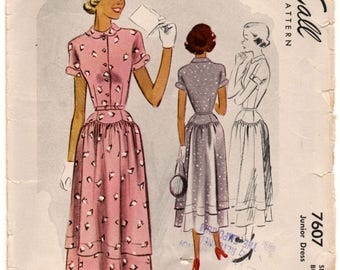 """1940's McCall Day Dress with Dropped Waist and Short Sleeves Pattern - Bust 31"""" - No. 7607"""
