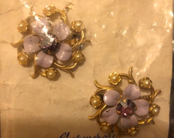 Vintage Flower pin pair