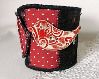 Adjustable cuff in red and Brown fabrics, bird