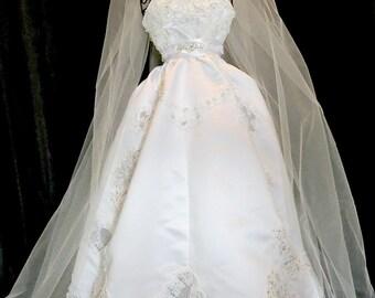 Bridal doll  gown centerpiece  Wedding reception Bridal shower centerpiece decoration gown,centerpiece  bridal bouquetsl, rhinestones