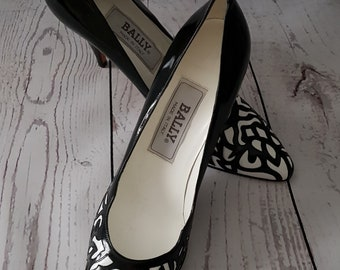 Vintage 1980's 80's as new unworn Bally black and white high heeled court shoes UK size 5.5 - 6