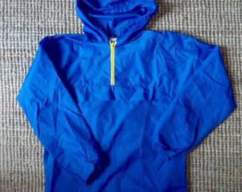 Windbreaker style KWAY Kangaroo Pocket