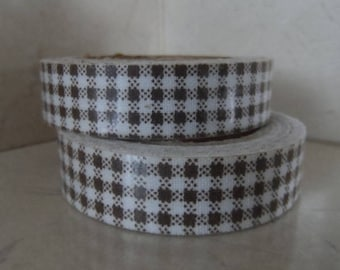 1 roll of adhesive fabric Brown gingham 5 meters