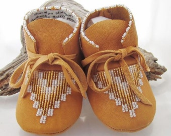Shoes Moccasins Gold shoes Gold moccasins Girl moccasins Moccs Mocs Infant Newborn Toddler Authentic Native American Made Baby shower gift