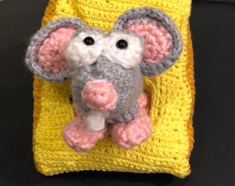 Manfred the Mouse Amigurumi