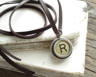 Typewriter Key. Personalized Letter R Necklace. Typewriter Necklace. Vintage Typewriter Key Necklace. Typewriter Jewelry. Initial Necklace.