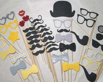 Photobooth Props - Everything you need for the perfect Photo Booth - Includes Ornate Frame and Conversational Bubble