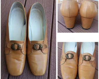 Vintage Mustard Tan Leather Classic Pumps Shoes Heels Size 8.5