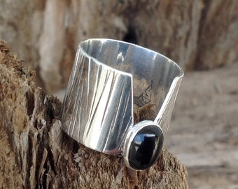 V ring with textured tooling Sterling silver assorted 9X7mm stones