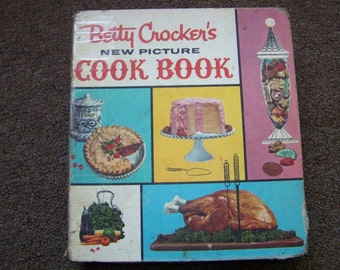 1961 Betty Crocker's New Picture Cook Book 5 Ring Binder