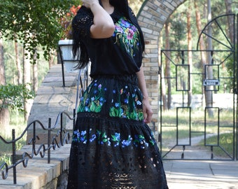 """Embroidered dress suit """"bright flowers in the Night"""""""