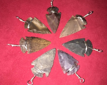 Silex Arrowhead pendant with 3 cm cord approximately