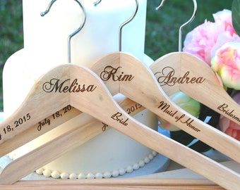 Personalized Bridesmaid Gift, Bridesmaid Name Hanger, Maid of Honor Gift, Bridesmaid Gifts, Rustic Wedding, Personalized Gift, 5 Hangers