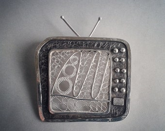 Silver filigree TV brooch -silver brooch,statement jewelry, unique filigree brooch, contemporary brooch, bipart, wearable art, handcrafted
