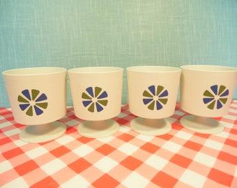 Vintage Mod Pedestal Dessert Cups - Plastic -  Set Of 4 - 6 Oz - David Douglas