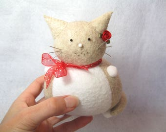 Cute cat pincushion, Cream white cat, Felt animal, Cute kitty, Sewing accessory, Felt pincushion, Cat home decor, Cat lover gift