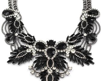 Noble granular crystal flower necklace