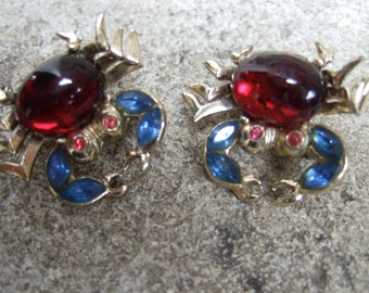 Whimsical Pair of Jeweled Crab Scatter Pins c 1960