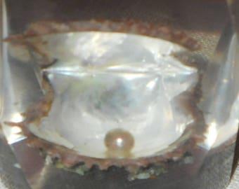 Vintage lucite oyster pearl lighter - 1970s