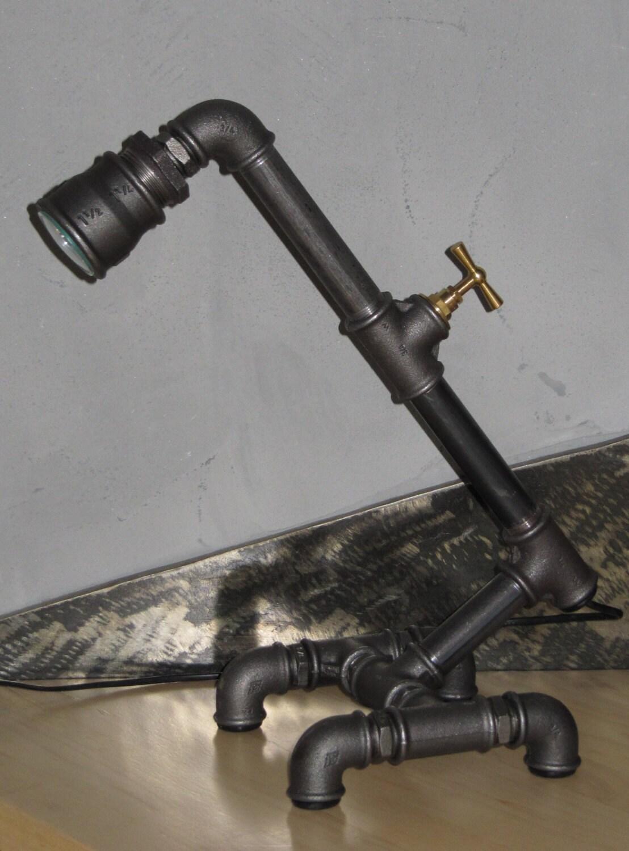 lampe usine steampunk style industriel tuyau fonte noir. Black Bedroom Furniture Sets. Home Design Ideas