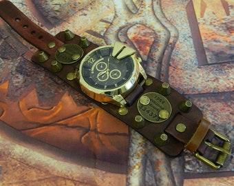 """Steampunk Clock """"GOLDEN BRUTAL"""" natural leather."""