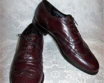 Vintage 1960s Men's Cordovan Leather Wingtip Oxfords by F.D. Size 9 D/B Only 25 USD