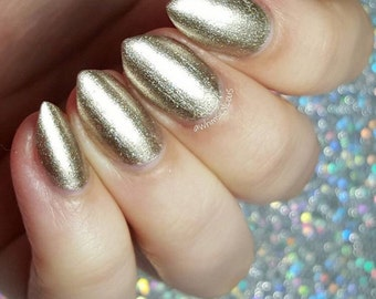 The Midas Touch - gold metalic polish. Full size 15ml bottle.