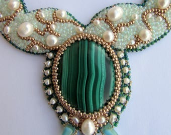 Exclusive and royal malachite embroidered necklace with freshwate pearls, ooak