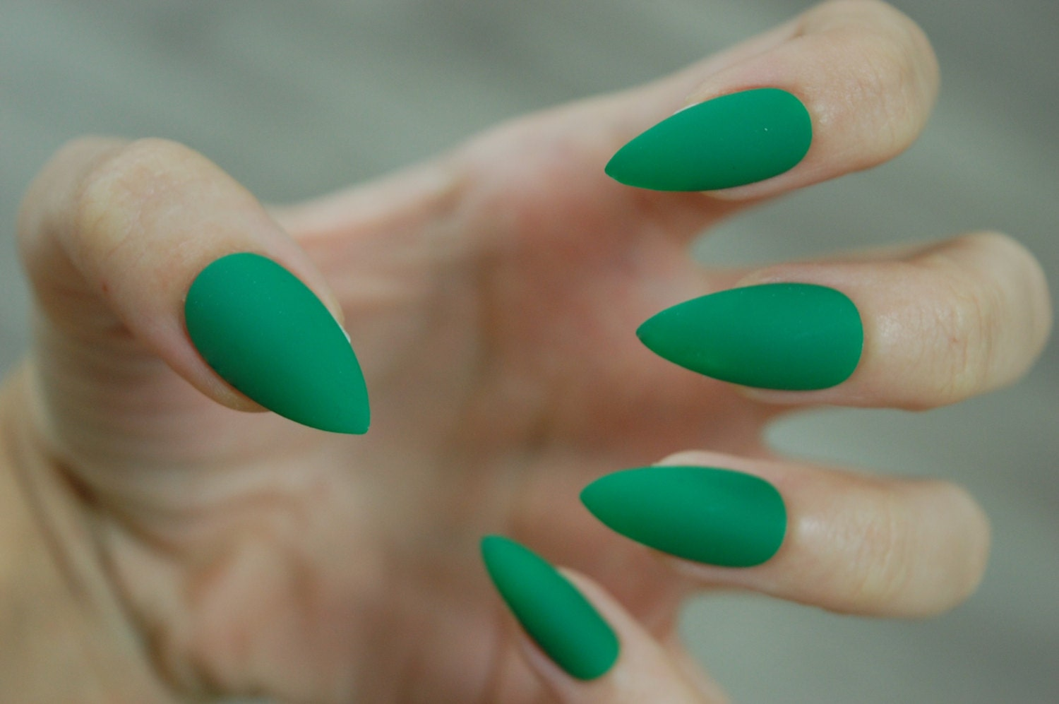 Kelly Green Full Cover Stiletto Nails *Set of 20* [Matte or Glossy ...
