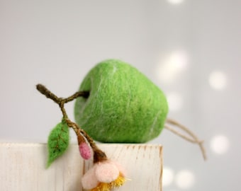 Needle Felted Green Apple With A Blossom - Apple Ornament - Artificial Fruits - Green - Home Decor - Wool - Handmade - Spring Decoration
