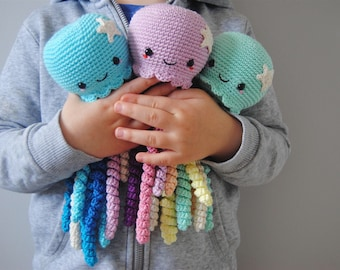Cute Crochet Octopus toy for Preemie / Crochet Jellyfish Toy / Sea Themed Room Decor / Gift for Premature Baby