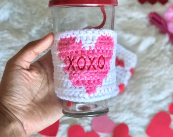 Valentine's Day Cup Cozy//Valentine//XOXO Cup Sleeve//Candy Hearts//Personalized Gifts//Crochet Coffee Sleeve//Valentine's Day Cup Sleeve