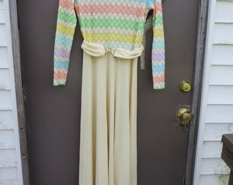 SWEET    vintage ACT II  New york  colorful  maxi dress  size 8  with belt
