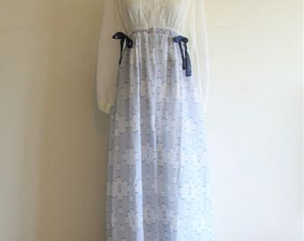 Vintage Sweet Modest Colonial Style Blue and White Clouds Lace Ties Nightgown and Robe Peignoir Set