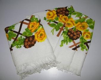 Vintage 60s 70s Cannon Pop Art Flower Power Floral Retro Mid Century Modern Terry Cloth Bath Bathroom Towel 1960s 1970s Textile USA Set