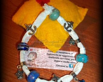 Elegant bracelets in white webbing and beads