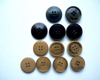 Different sets of large round buttons classic corozo pucks light circular diameter 2.8 cm at 3.1 cm