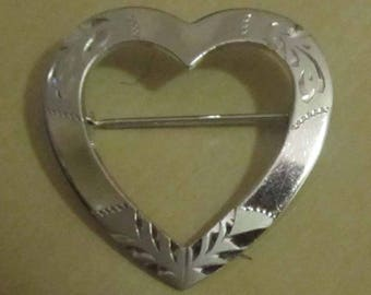 Theda Signed Vintage Sterling Silver Etched Heart Pin Brooch  1940's / 1950's  Estate Jewelry