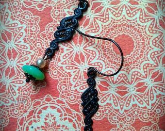 Nouveau Paisley Earrings sea foam green and bronze