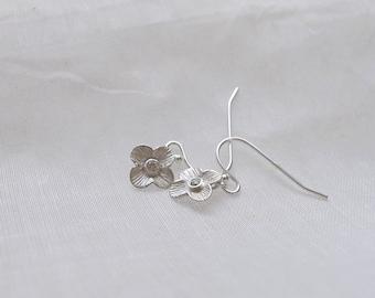 Flower Earrings with diamond - sterling silver
