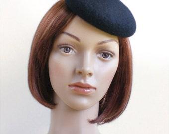 Chapeau rétro bibi mini béret noir en laine feutrée, Personnalisable en 16 coloris