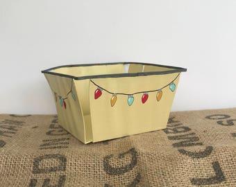 Vintage Berry Basket, Wooden Basket, Vintage Baskets, Christmas Lights, Christmas Decor, Gift Basket, Christmas Gifts, Hand Painted Basket